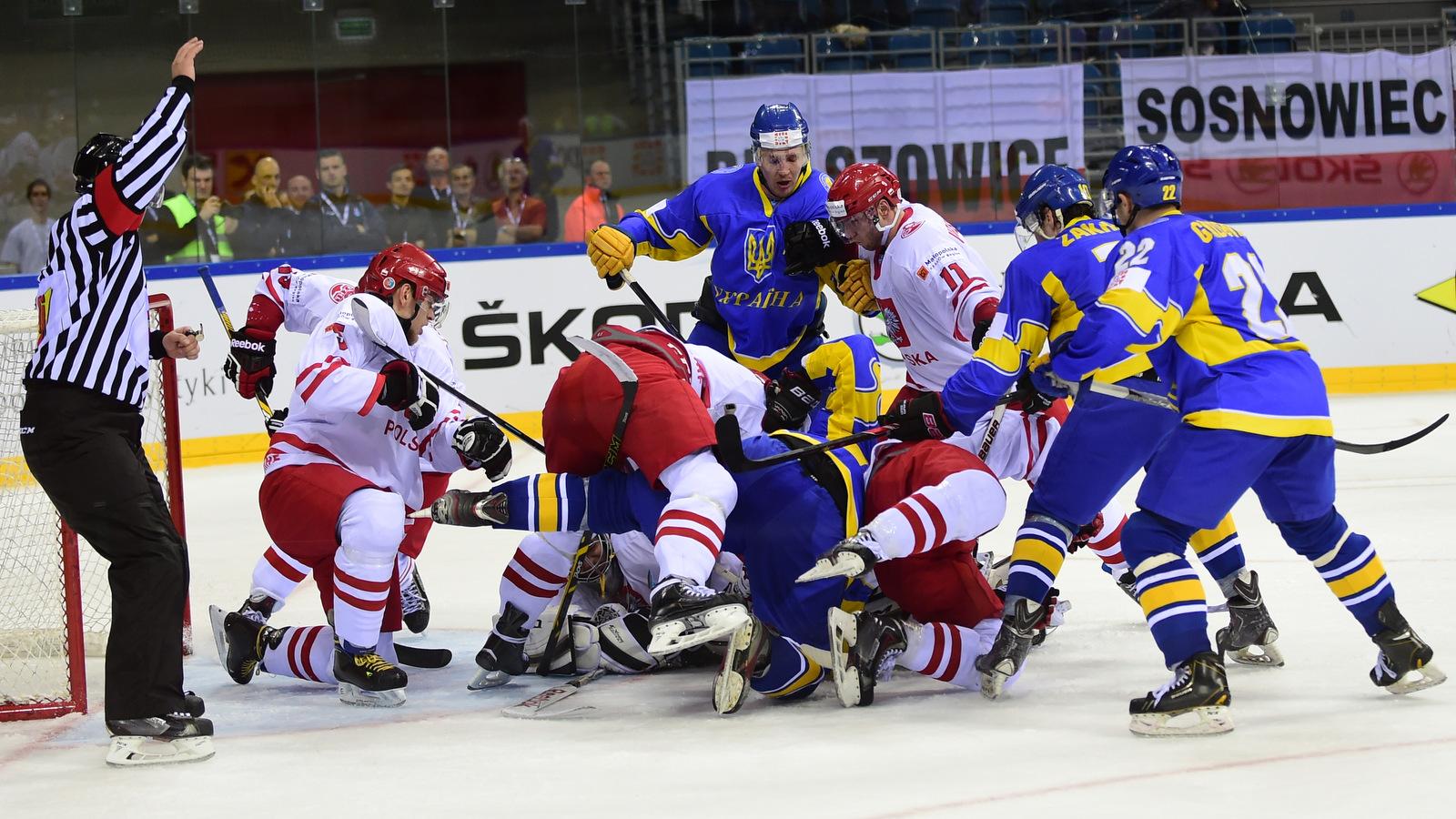 сборная Венгрии, сборная Украины, сборная Италии, сборная Казахстана, сборная Польши, ЧМ-2016 (первый дивизион), сборная Японии